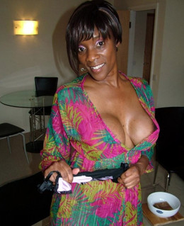 Charming black mature housewife fling..